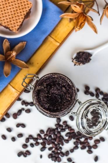 DIY Coffee Scrub from The Olive & Mango