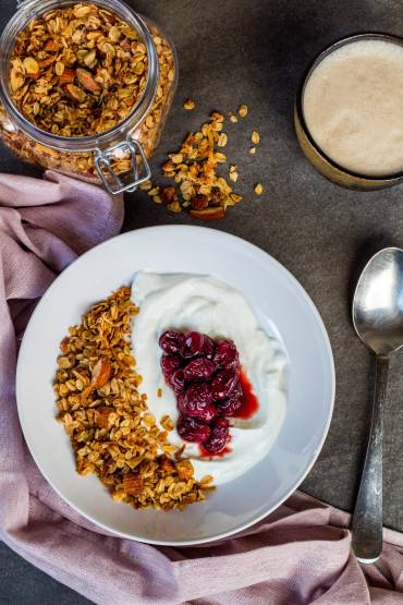 Vanilla Almond Granola Recipe