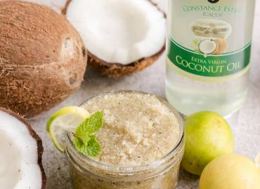 How to Make a Sugar Body Scrub with Coconut Oil