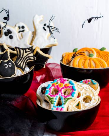 How to make Halloween Sugar Cookies